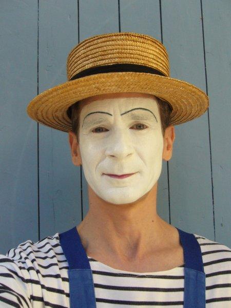« Mime Suiveur »   Rémalard (61)